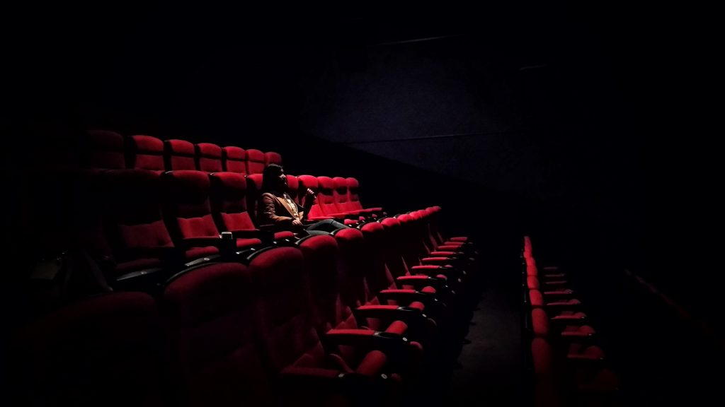 cinema-alone-movie-popcorn-night_01