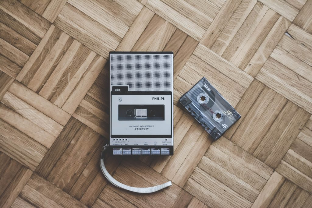 tapes-cassette-audio-old-stuff-tecnology